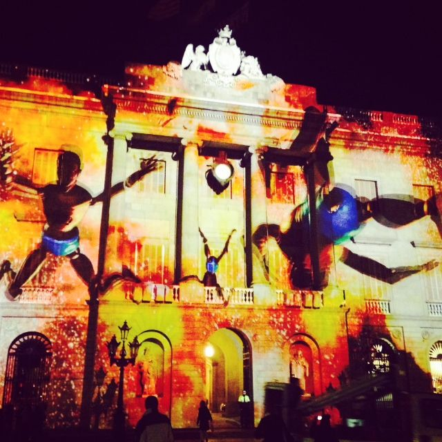 plaza sant jaume #barcelona #foto de la fabrica de tomate #noche