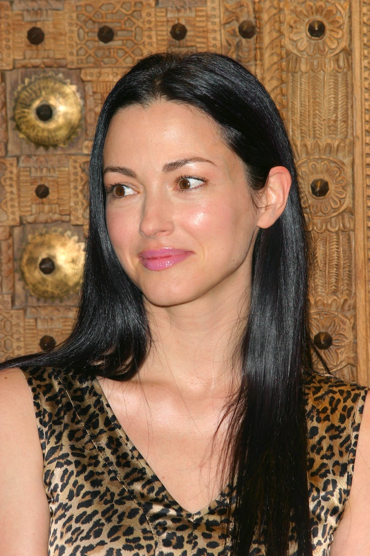 Julie Dreyfus. Born: Paris. Speaks: French, Japanese, English.
