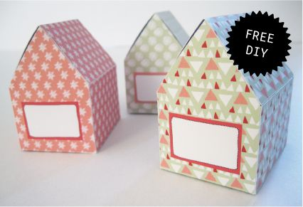 Free printables DIY Christmas houses - decoration table  http://www.ontwerpland.nl/index.php?option=com_zoo&view=frontpage&Itemid=206