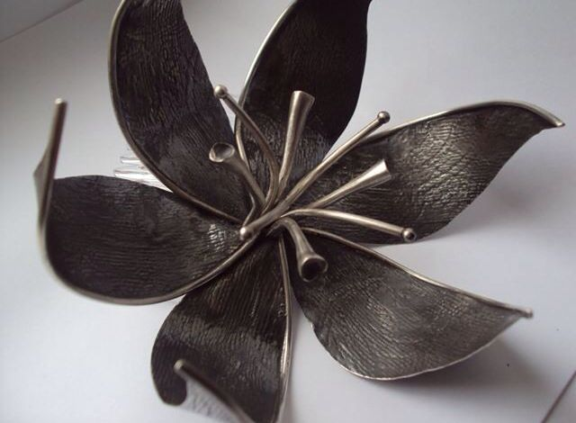 Silver lily head piece