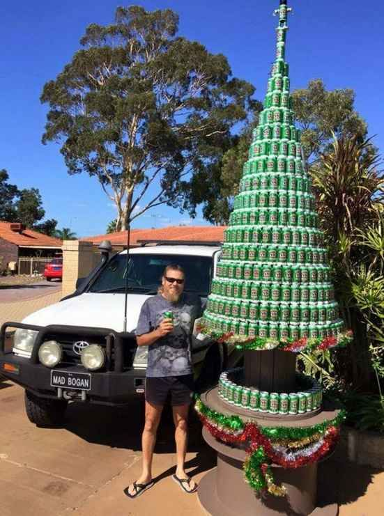 We have an early contender for The Most Australian Christmas Photograph Of All Time.