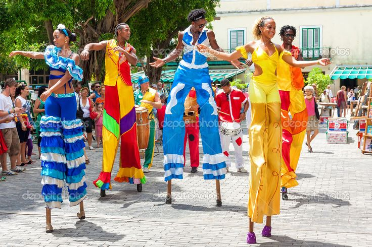 Dancers on stilts at a carnival in #OldHavana #Cuba
