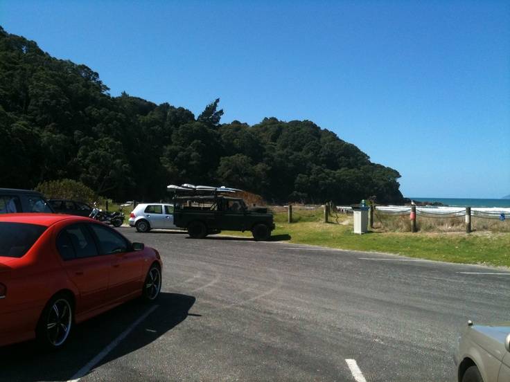 Kiwi Landrover at Waihi Beach