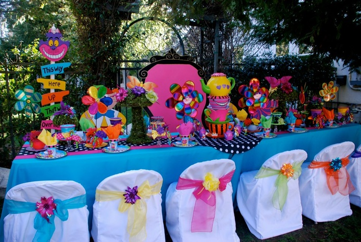 381 best party alice in wonderland images on pinterest for Mad hatter party props