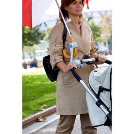 Sujeta paraguas #paraplis manos libres para empujar cochecito de bebé mientras llueve,,si ya es dificil con una silla individual con la de gemelos es casi misión imposible #gemelos #twins #mellizos