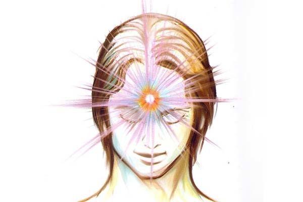 El tercer ojo está situado en la frente, justo en el medio y justo por encima de las cejas. Es la puerta de entrada a la capacidad psíquica; el conducto a todo lo que no se ve por nuestros ojos físicos. Este ojo tiene un componente tangible en la forma de la glándula pineal, que …