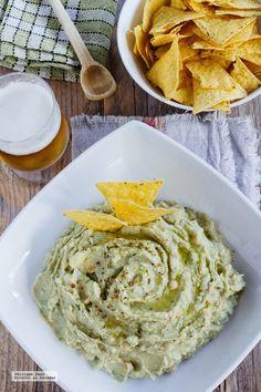 Cómo hacer un delicioso Hummus de aguacate http://ift.tt/OAtrnL