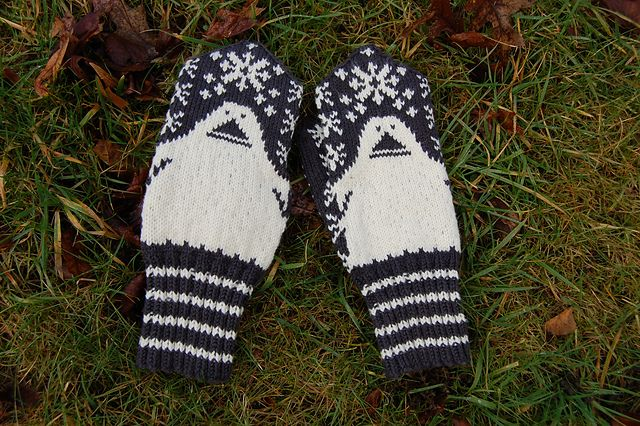 Ravelry: Project Gallery for Mörkö pattern by Jenni Peltomäki
