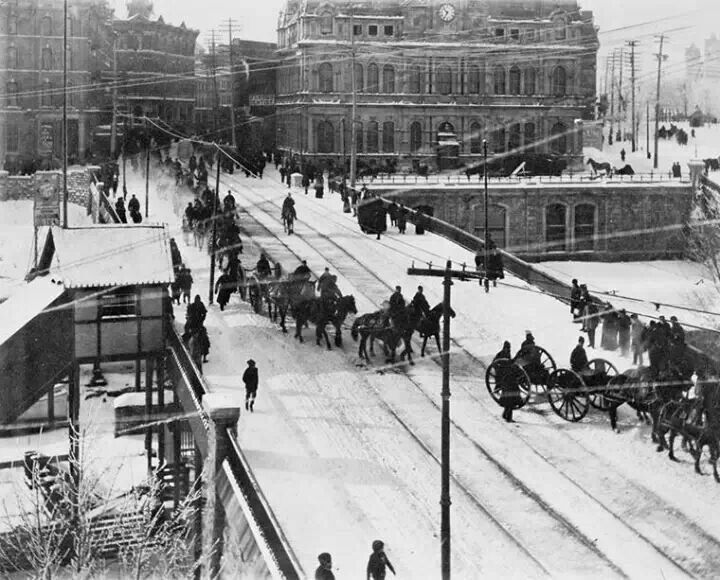 Soldiers departing for the Boer war ... 1899 - 1901 - near the Ottawa Post Office ... Ottawa, Ontario Canada