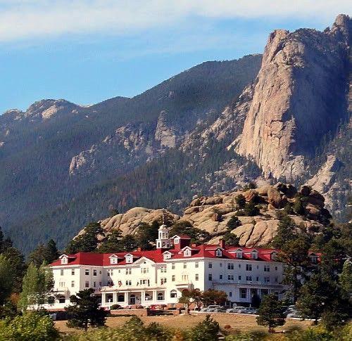 Hotel Overlook, la historia de Stephen King que stanley Kubrick adaptó..