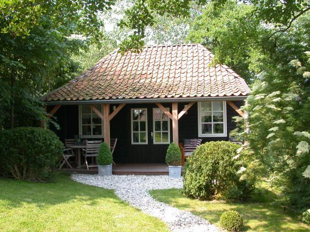Tuinhuis/Bed&Breakfast/Vakantiewoning 5,25m d. x 6,6m br.x 4,9m h., met sleep luifel van 2m vanaf € 29850,- casco