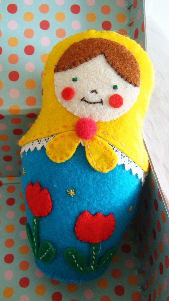 Such a sweet, cheerful felt matryoshka doll. #felt #felted #sewing #Russian #nesting #dolls #matryoshka #Russia