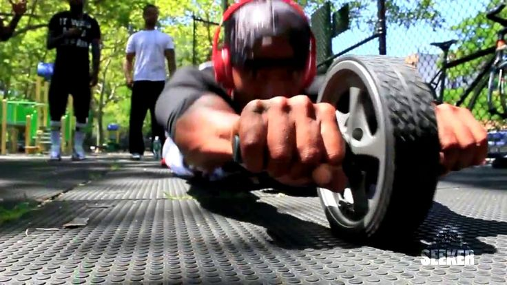 BarTendaz – Workout Routine (Street Workout)  Video  Description Bartendaz™ is the physical fitness division of Giant Thinking Inc, a non-profit organization that unites a unique physical fitness program, martial arts, youth empowerment and hip-hop to push our youth and our communities to... - #Videos https://healthcares.be/videos/workout-tips-video-bartendaz-workout-routine-street-workout/