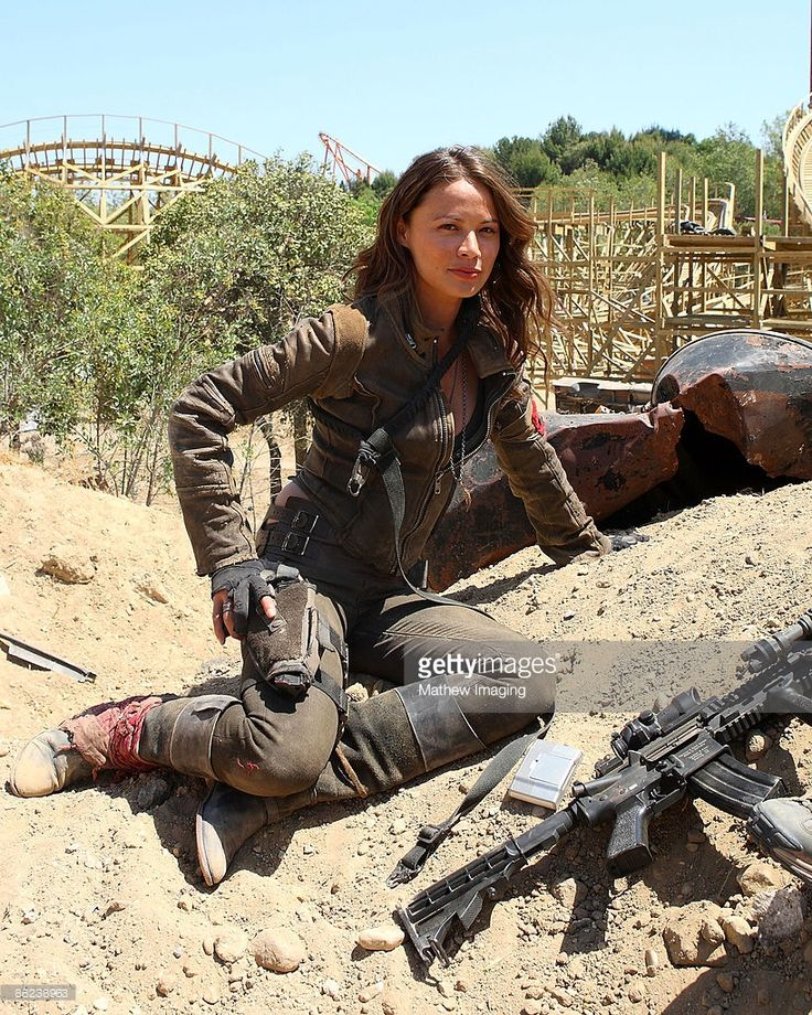 Moon Bloodgood Terminator Salvation Actress Wallpapers HD Wallpapers