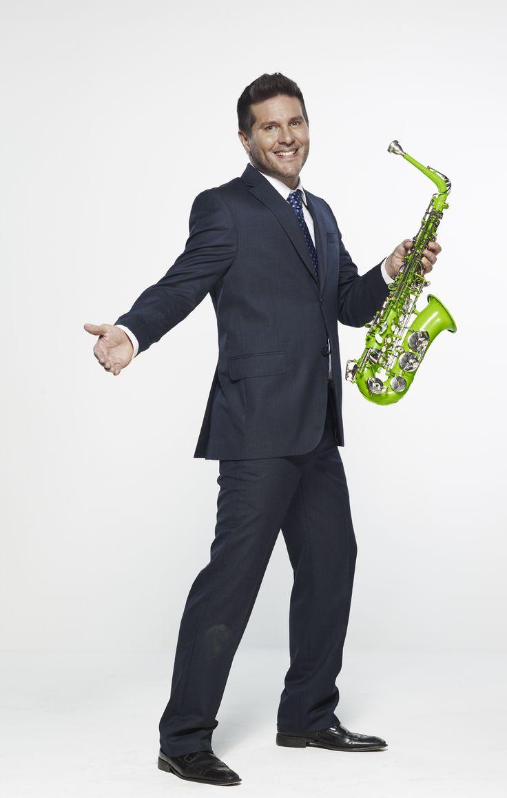 #MarceloCezán  Es Actor, presentador, músico y odontólogo de profesión. Actualmente es el presentador de #DoReMillones.