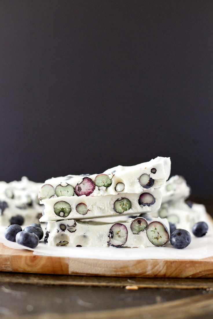 FROZEN BLUEBERRY YOGURT BARK