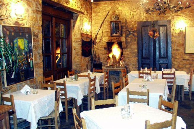 "#Evritania #MegaloChorio #NothernGreece #WeGreek_smartdeals Greek flavors and unique tastes in the traditional greek tavern ""To Petalo""- Get the WeGreek card and get a 10% discount for your meal! Travel smart, travel cheap with WeGreek!Το Πέταλο | WeGreek"