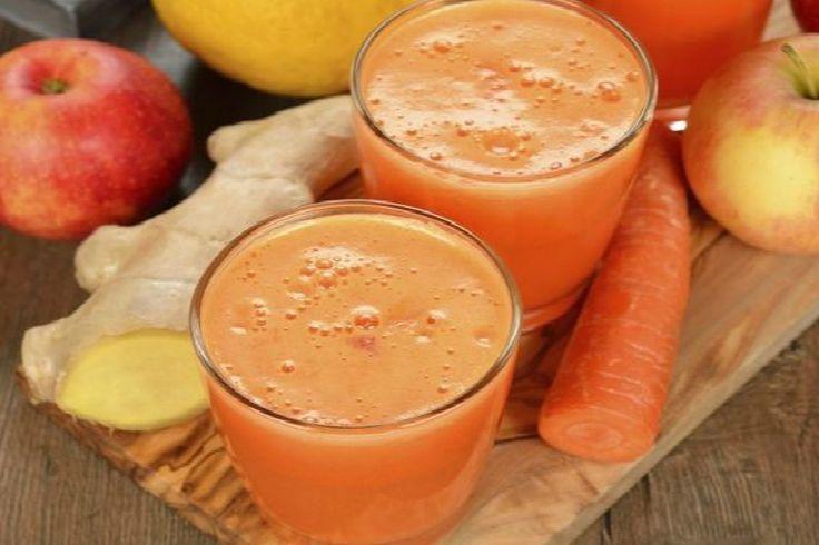 Centrifugato di carote, zenzero e mela: la ricetta veloce e semplicissima del frullato sano e dissetante per fare il pieno di vitamine ed energia.