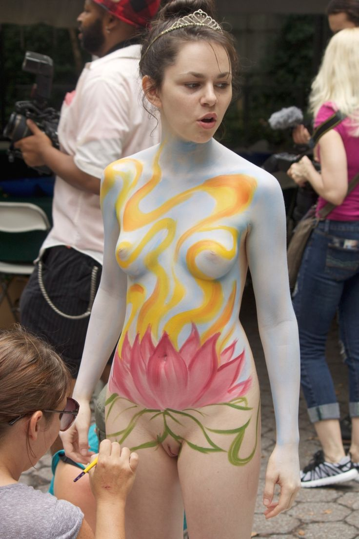 Body painting pussy face