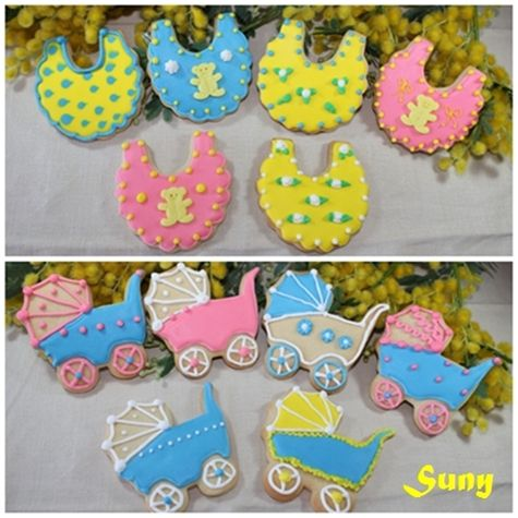 Galletas decoradas explicadas con todo detalle.  http://rositaysunyolivasenlacocina.blogspot.com.es/2011/10/galletas-decoradas-masa-y-glasa.html