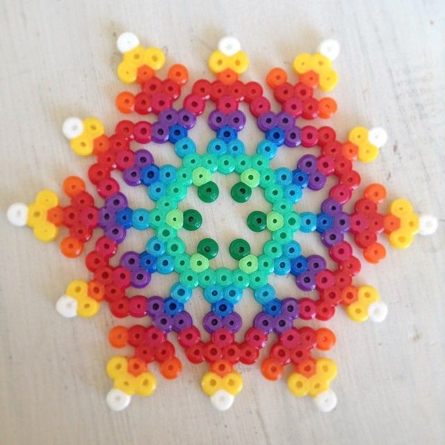 Rainbow snowflake perler beads  by jushou