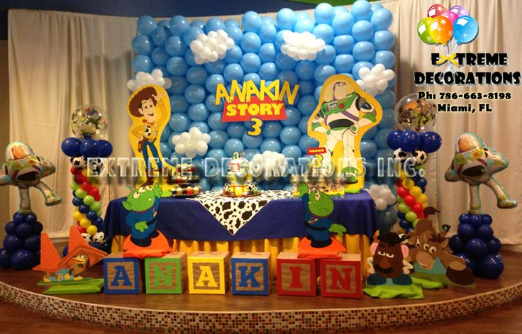 Toy story birthday party decorations balloon wall for Balloon banner decoration
