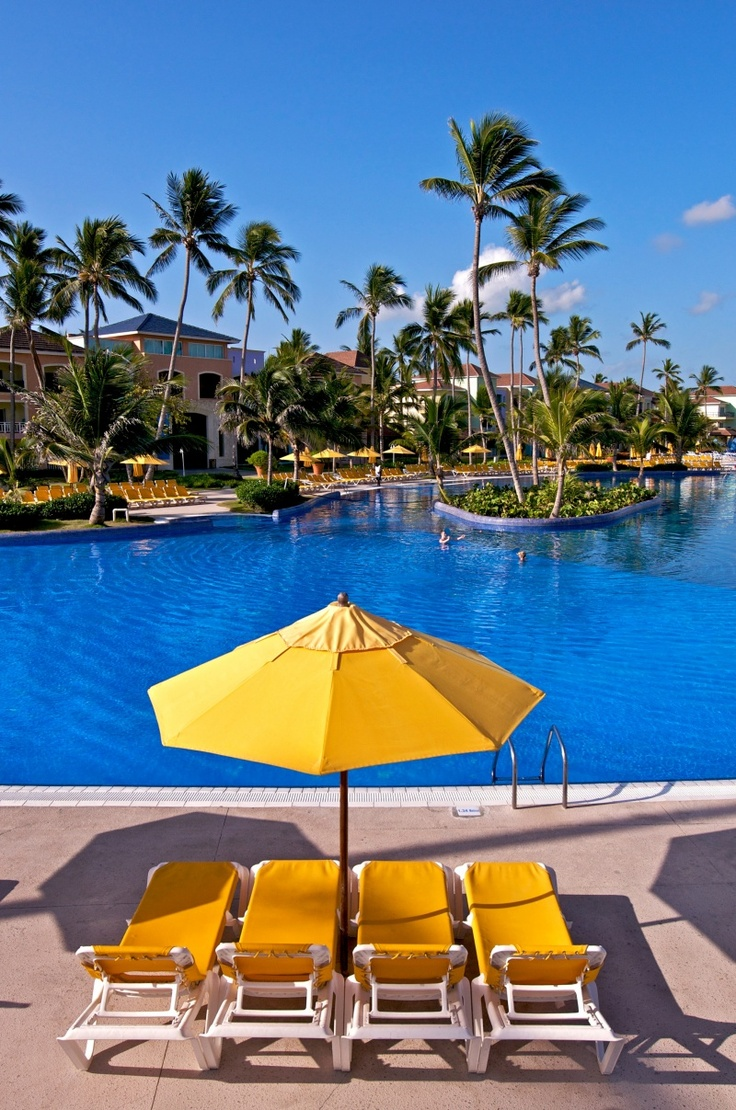 Discover The Ocean Blue Sand A Seafront Resort That Gives Onto White Sandy Beach With Crystalline Waters In Punta Cana Book Your Room Now At This