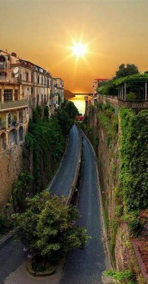 #Sorrento, #Italy http://en.directrooms.com/hotels/subregion/2-31-1119/