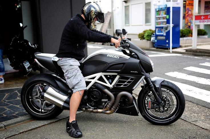 Ducati Diavel Amg Cool Bikes Pinterest Ducati And Ducati Diavel