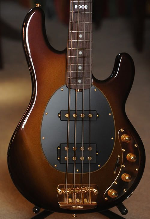 MusicMan Stingray, Limited Edition Sequoia Gold