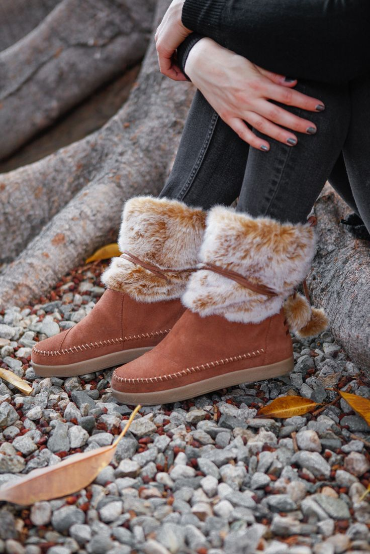 Inspired by our trip to Nepal, these TOMS Nepal Boots are designed to keep you snug all season long. They feature a faux shearling lining and rawhide suede to lock in warmth.
