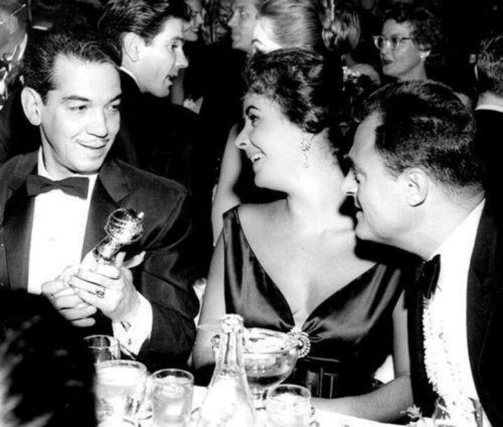 """Mario """"Cantinflas"""" Moreno & Elizabeth Taylor."""