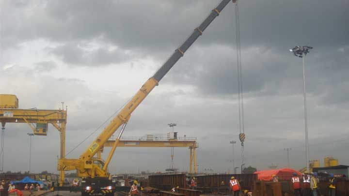 We have a vast fleet of Telescopic cranes on hiring and selling in India. These cranes are favored for projects that require marching/movement as the crane can mobilize conveniently. http://www.appolocranes.com/xcmg-qy-75k-i/