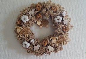 Weven en versieren jutekrans met (je) haak- of breiwerk – Knit & Knot