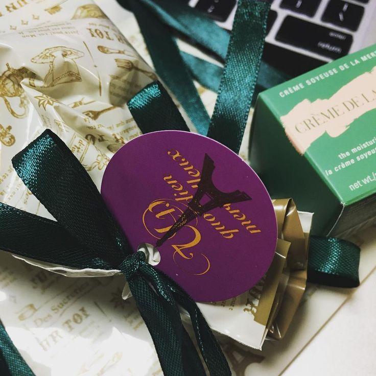 """Даже в магазине """"все по 100 иен"""" можно встретить очень даже хорошие сочетания цветов 👌🏼🎁🛍 #подарки#сюрпризы#новыйгод"""