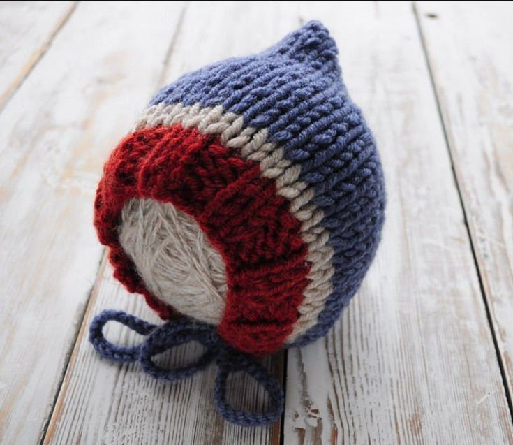 Тёплая шапочка чепчик для мальчика спицами
