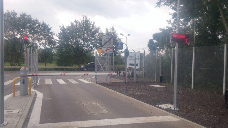 Automatyczny system szlabanowy firmy PWSK steruje ruchem w Śląskim Centrum Logistycznym