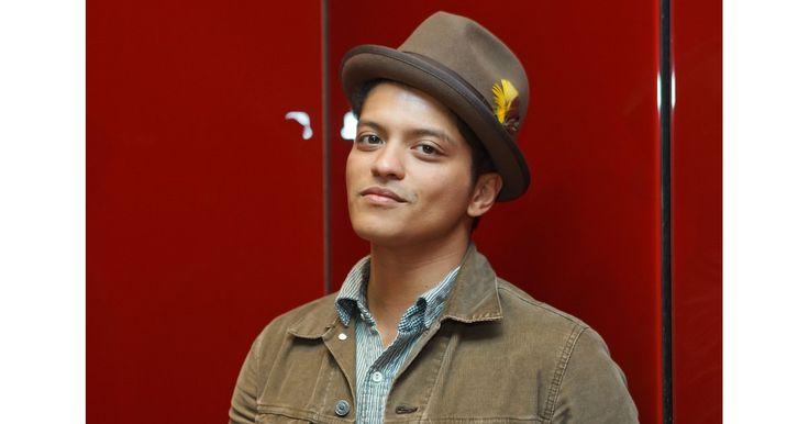 Sexy Bruno Mars Pictures   POPSUGAR Celebrity