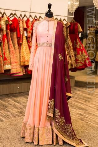 Off White Anarkali w/ Lace Dupatta