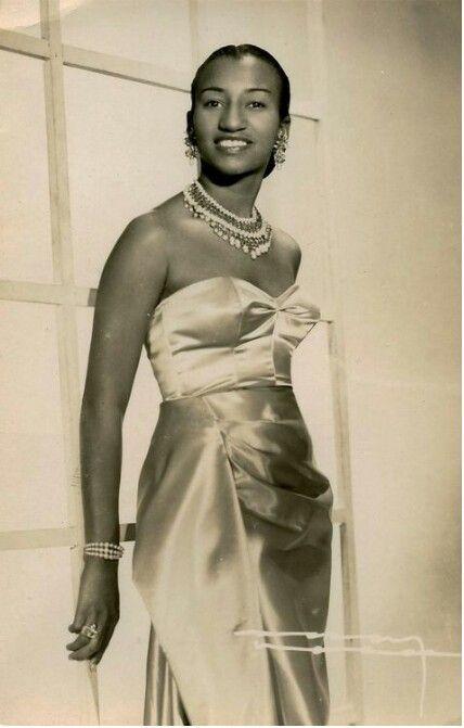 Celia Cruz [1925-2003] ...Azucar!!!!