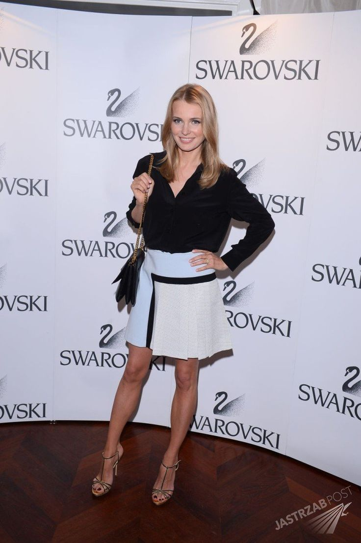 Agnieszka Cegielska in Bohoboo skirt and shirt blouse, Carolina Herrera heels
