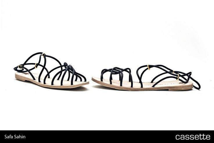 Safa Şahin / Athens Sandalet >>> http://shop.cassette.com.tr/safa-sahin---athens-sandalet