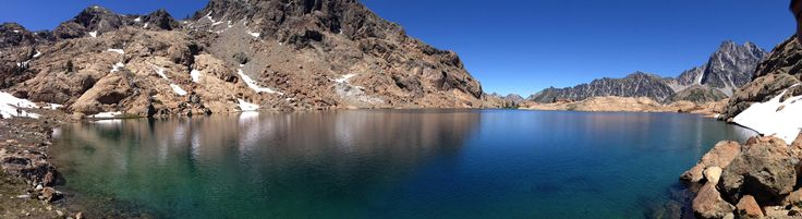 Lake Ingalls- Cle Elum WA Glacier lake so clear you can see the bottom [photo 7643x2093 16MP]