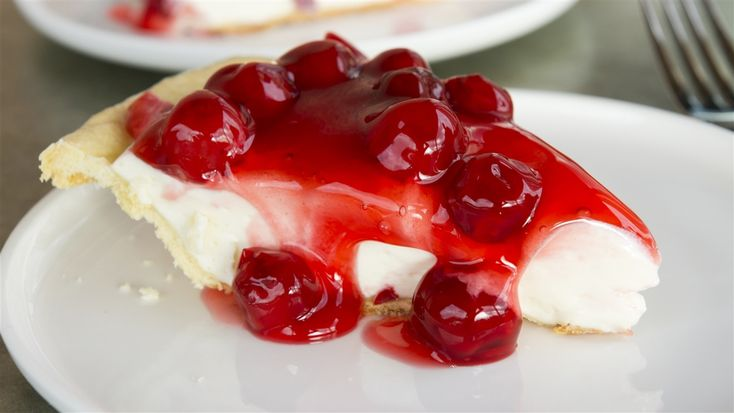 Tarte au fromage et aux cerises de Patrice L'Ecuyer | Les gourmands | ICI Radio-Canada.ca