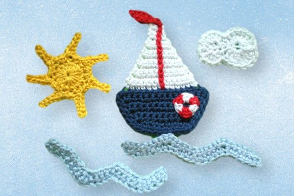 Häkle Dir gleich mit der kostenlosen Anleitung ein Segelboot als Applikation. Das macht Spaß + man kann damit Meeres- und Segel-Freunden eine Freude machen.