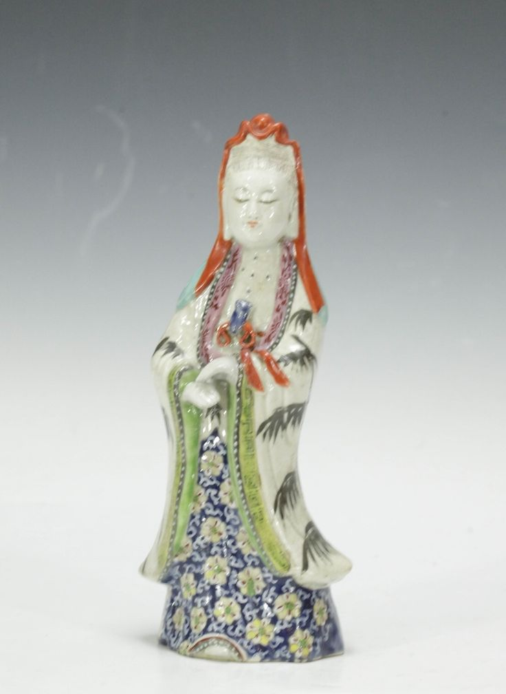 Lot 309 S105 - Qing Dynasty Famille Rose Porcelain GuanYin - Est. $600-1000 - Antique Reader
