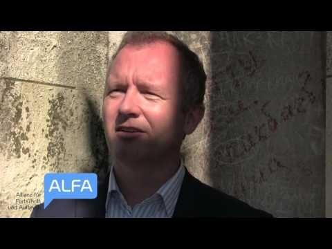 """Andre Wächter ALFA spricht zur aktuellen """"Flüchtlings-Situation"""" in der Landeshauptstadt München - YouTube"""