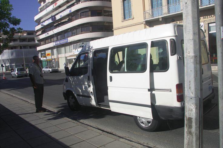 To bylo vtipný, pán stáhl okénko, že je bus intercity do Larnaky. A my: jako vážně? Neměl to nikde napsaný. Ale i tak jsme nastoupily.:-)