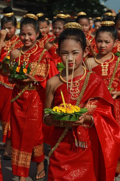 Loy Krathong parade - Sukhothai - Thailand - For more Thai Tips visit: SGAsia: http://www.sgasia.net/