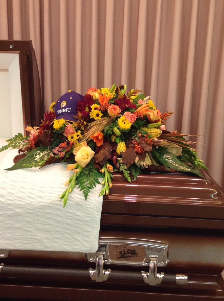 Fall Flowers Are Just The Right Choice For A Man S Funeral